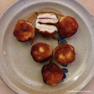 L'autre soir, mon frère nous avait préparé des babybels panés sur une tranche de pain de campagne. C'était vraiment bon mais on a tout de suite remarqué qu'il manquait quelque chose. Du coup, en cherchant des idées, je suis tombé sur une petite recette de babybel au jambon de dinde du tonnerre :)