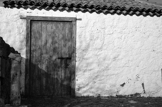 Entrada a la bodega, en  Santiago del Teide...