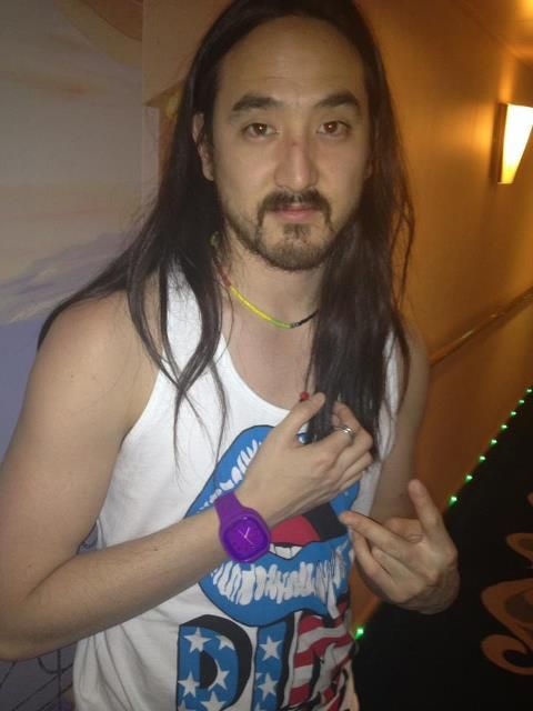 Steve Aoki rockin the Grape Escape!