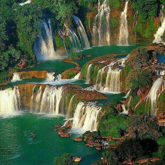 """""""Coisas boas vêm para aqueles que esperam"""" - ditado vietnamita 'Kien nhan la me thanh cong'  Foto: cachoeiras de Ban Gioc - Vietnã"""