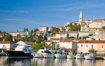 Hafen und das historische Zentrum der Stadt Vrsar