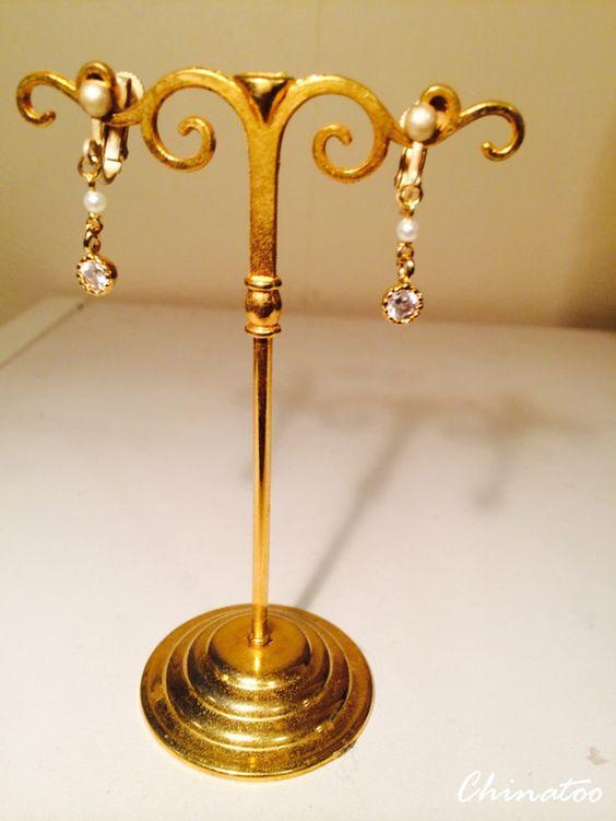 CZ(キュービックジルコニア)と、高品質なベビー淡水パールを使用。小さいながらも、シックで品のある仕上がりです。CZはダイヤモンドとも言われているように、カ...|ハンドメイド、手作り、手仕事品の通販・販売・購入ならCreema。
