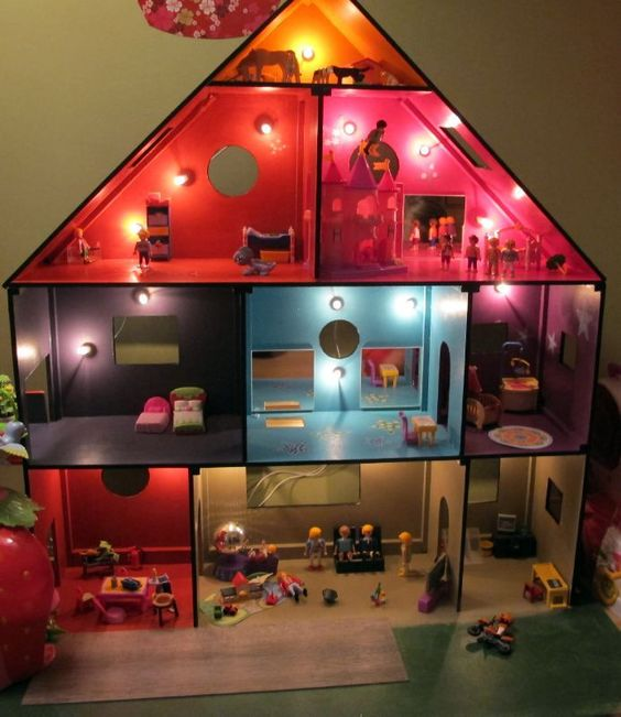 Diy maison enfant and maison on pinterest - Maison playmobil en bois ...