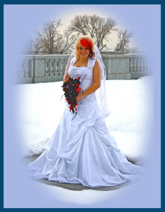 The Photo's in this feature were taken by Photographer Gerry Silva and edited by Sonya Steiner of  Tashee Photography. This collaboration brought out some lovely photos for the bride to choose from.