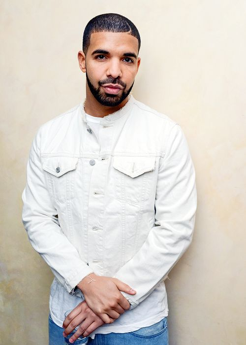 celebritiesofcolor:  Drake attends I Like It Like This Contemporary Black Art reception in NYC.