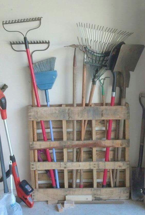 DIY PALLET GARAGE STORAGE....Brilliant!! This is so easy to make & such a great idea! Featured on our BEST DIY Pallet Ideas! http://kitchenfunwithmy3sons.com/2016/01/fun-finds-friday-the-best-diy-wood-pallet-ideas.html/: