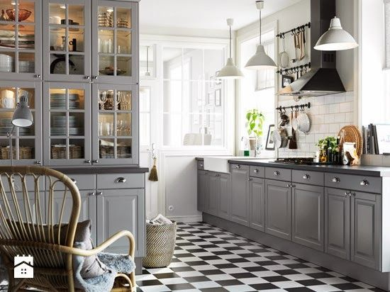 Zyj Pieknie Boazeria Angielska Inspiracje Z Homebook Pl Ikea Kitchen Cabinets Grey Kitchen Cabinets Interior Design Kitchen