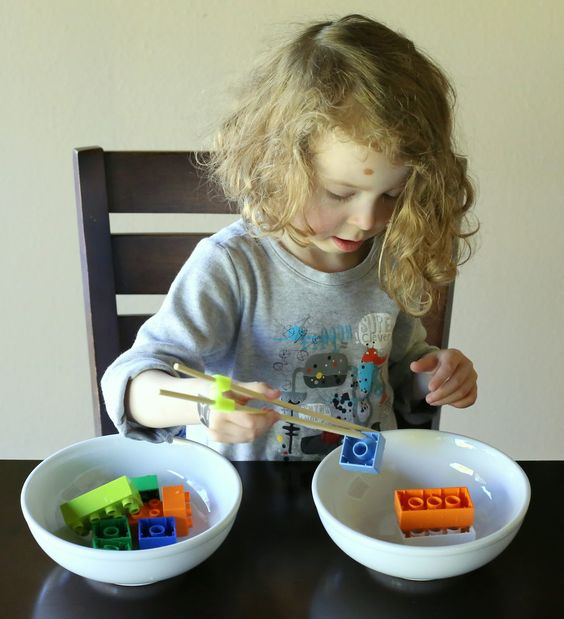 trasvace, lego y palitos chinos-4 Fine Motor Activites using LEGO Bricks from Fun at Home with Kids