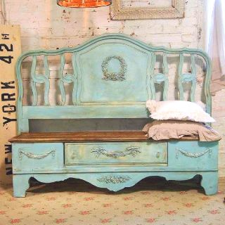 Aqua bench