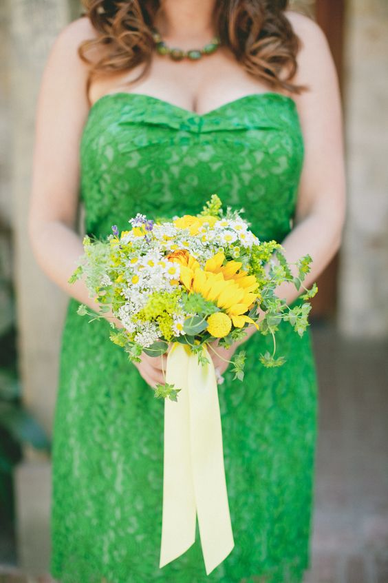 Kelly green and yellow wedding | Kelly green bridesmaid with yellow bouquet | OneLove Photography
