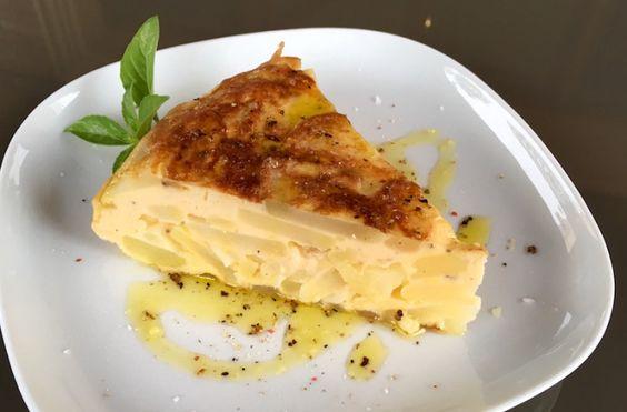 Step by step recipe for Tortilla de patata y cebolla