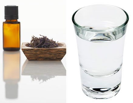 DIY Recipe: Green tea + water = toner via @Glamour