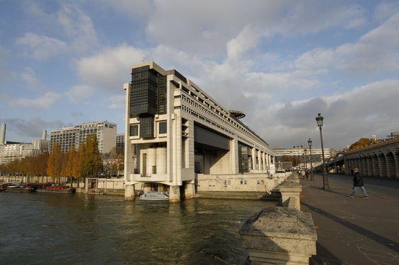 INFO LE FIGARO - L'institut Molinari a calculé que, jusqu'à ce vendredi, les salariés français auront travaillé pour financer la sphère publique et la protection sociale. La France détrône la Belgique sur le podium de la libération fiscale la plus tardive en Europe.
