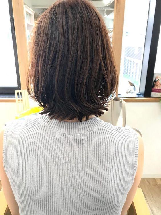 ウェット感あるボブルフ ボブ ウルフ ヘア With Images Hair Styles Turtle Neck Fashion