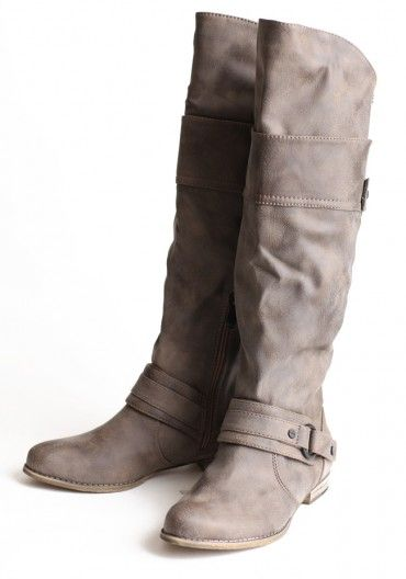 Country Buckle Boots