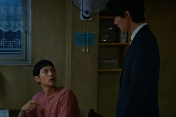 "Watch: Lee Dong Wook Gives Im Siwan Quite The Fright In ""Hell Is Other People"" Teaser"