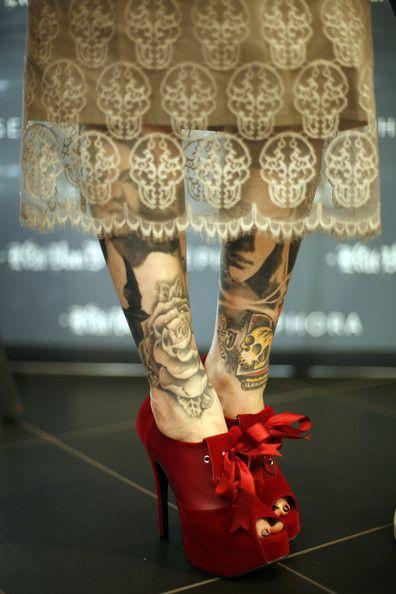 .skull lace!!