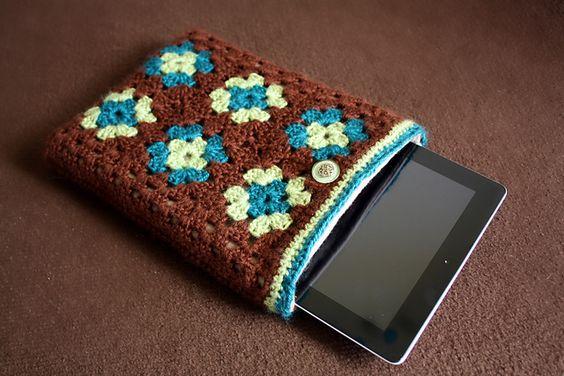 Ravelry: Granny Square iPad Case pattern by Lindsay Edwards