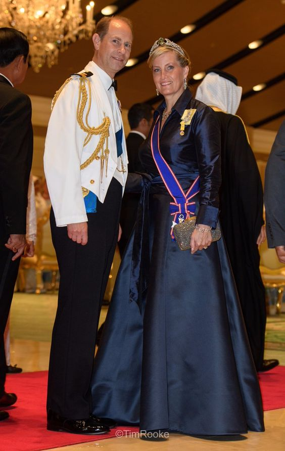 rt @royalfocus1   The Earl and Countess of Wessex attend #HMJubliEmas banquet at Istana Nural Iman #Brunei in honour of The Sultan's Golden Jubilee #Royals    6 Oct 2017