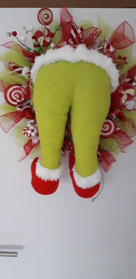 The grinch kerstkrans | Grinch krans | kerstkrans | kerstdecoratie @ rafeandshiro.com. Persoonlijke kransen nodig? Contacteer me via rafeandshiro@hotmail.com. Tot gauw!
