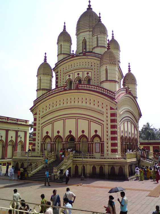 Worshiping In Dakshineswar Kali Temple