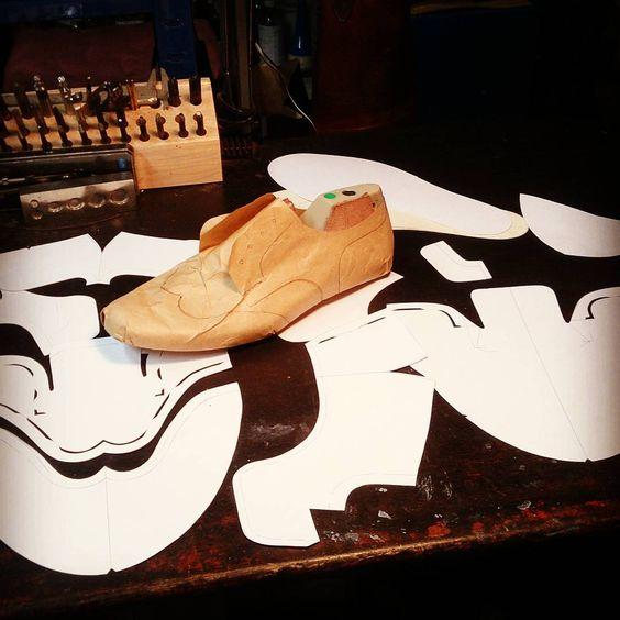 オーダーの型紙がひとつ完成。    #apego #handmade #shoes #アペーゴ #ハンドメイド #シューズ #型紙 #パターン #pattern #フルブローグ #靴 #外反母趾 #レディース #オーダー #オーダーメイド #五反田 #目黒 #大田区 #品川区 #目黒区 #恵比寿 #渋谷