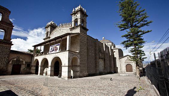 Temple of Santo Domingo religious tours in Peru Huancavelica Churches