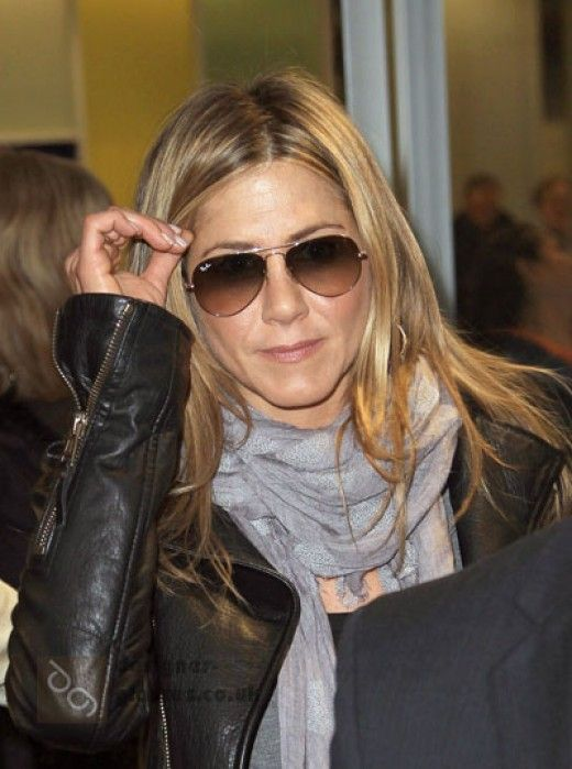 3d6644d41a Aviator Sunglasses for Women-Celeb Jennifer Aniston Wearing Sunglasses   u0026middot  Raybanofficial SunglassesWearing SunglassesSunglasses