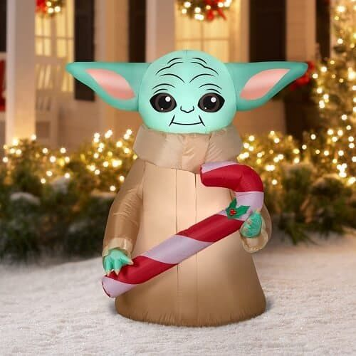26 Best Inflatable Outdoor Christmas Decorations 2021 Absolute Christmas In 2021 Inflatable Christmas Decorations Outdoor Outdoor Christmas Decorations Christmas Candy Cane