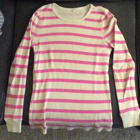 Neon pink/cream striped JCrew Thermal This long sleeve waffle shirt from J Crew is perfect for layering with a jacket, scarf, jeans, and boots. It has a crew neck and banded sleeves. Size medium J. Crew Tops Tees - Long Sleeve