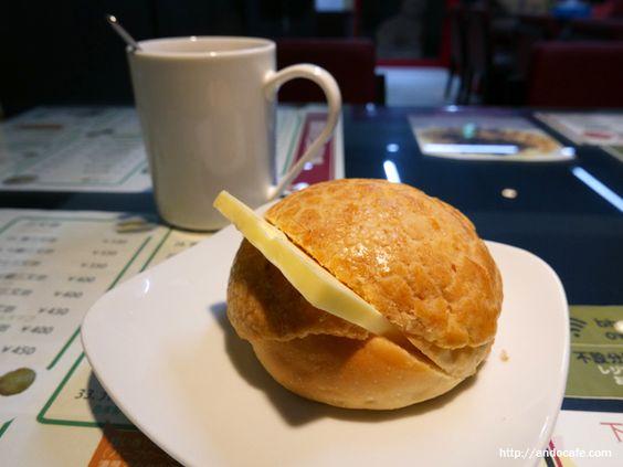 贊記茶餐廳 (チャンキチャチャンテン)菠蘿油包(香港式メロンパン+バター)250円と港式珈琲(香港式コーヒー)330円