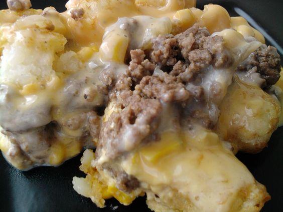 @Sancy Greeson-Clark White Trash Casserole: Ground Beef, Recipes Casserole, Tater Tots, Comfort Food, Tator Tot