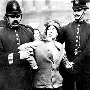 Google Image Result for http://www.newmanchesterwalks.com/wp-content/uploads/2010/08/Suffragettes-1.jpg