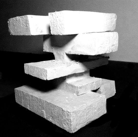 Proyecto Barrio Lastarria- El sustento por medio de una pieza vertebrada- equilibrio- yeso.