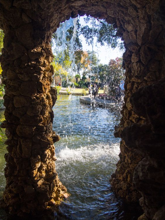 Dallas Arboretum and Botanical Garden is botanical garden located at 8617 Garland Road in East Dallas, Dallas, Texas, on the southeastern shore of White Rock Lake  #Dallas #garden #lake