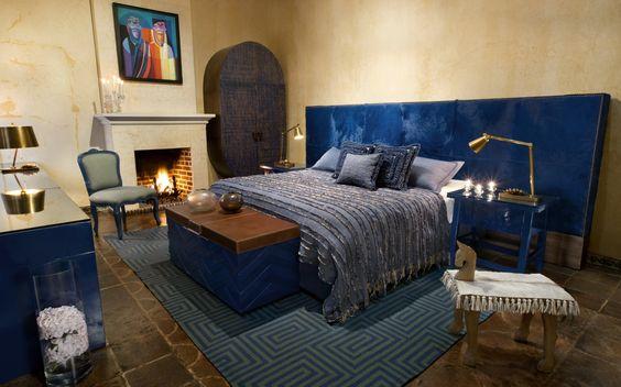 Las Hortensias: Se caracteriza por tener dentro de la habitación un cuarto de baño amplio con un mural pintado a mediados del siglo XX. Posee una cama King size. En el tono azul intenso de la hortensia, es asociado a la estabilidad y la profundidad del mar.