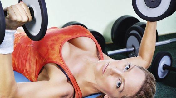 I due muscoli pettorali su cui poggia il seno svolgono un ruolo molto importante non solo per l'estetica, ma anche per la postura.