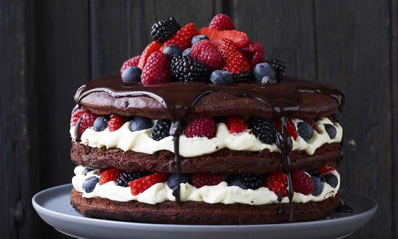 Chocoladetaart met roodfruit recept | Dr.Oetker