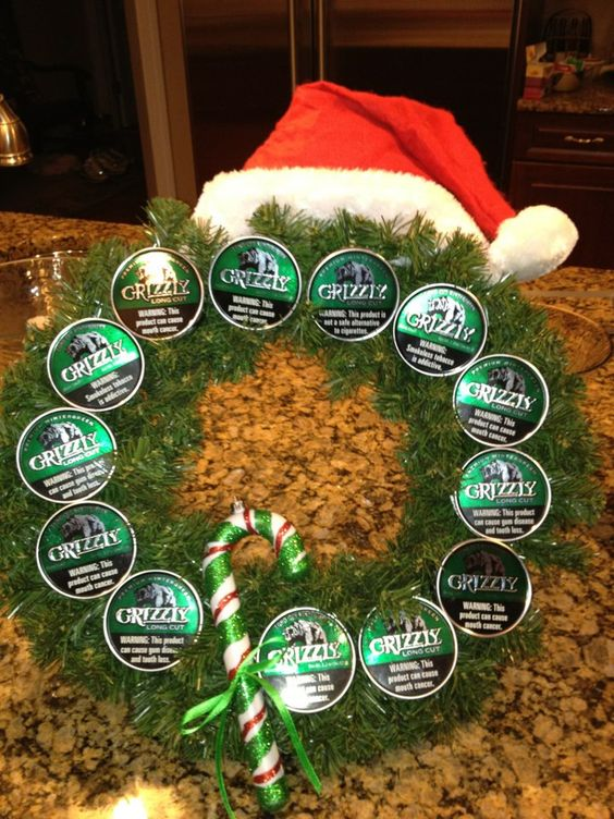 homemade grizzly dip can christmas wreath