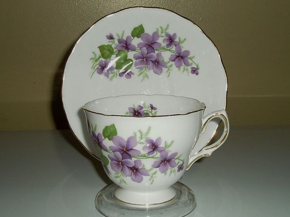 Royal Vale teacup and saucer pattern no 8141