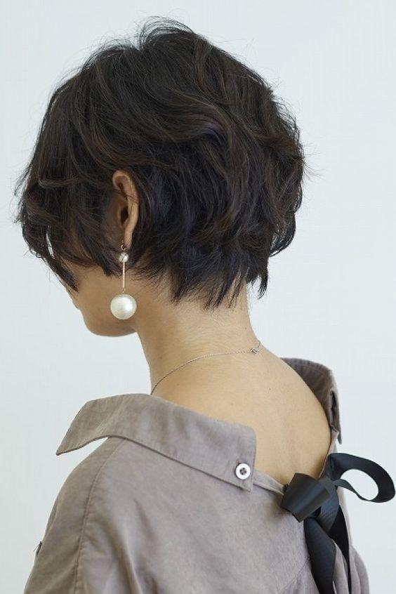 くせ毛を活かした大人ショートボブ | 美容室カキモトアームズのおすすめヘアスタイルカタログ