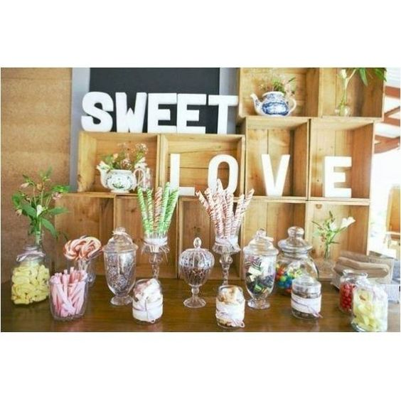 Letras de craft para decorar tu candy bar. Letras pintadas. #sweetdreammoment.  Encuentra  letras craft en nuestra SHOP: www.sweetdreammoment.com