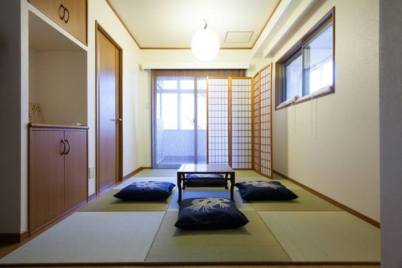 Apartment in Taito-ku, Japan. The  station take 1 minute by walk. A supermarket open 24 hours. Comfortable bed room and tatami space.Can stay 6 people.  Room is very clean and quiet. You can relax and stay comfortable. There is Tatami space and five people can sleep well in be...