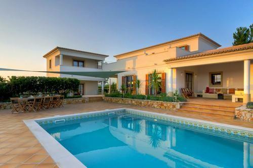 Dreaming! Six bedroom luxury villa & cottage in Burgau, in the Algarve region of Portugal.