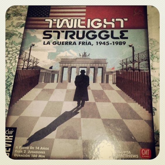 Última jugada a Twilight struggle visita nuestro blog: http://boardgamescave.wordpress.com