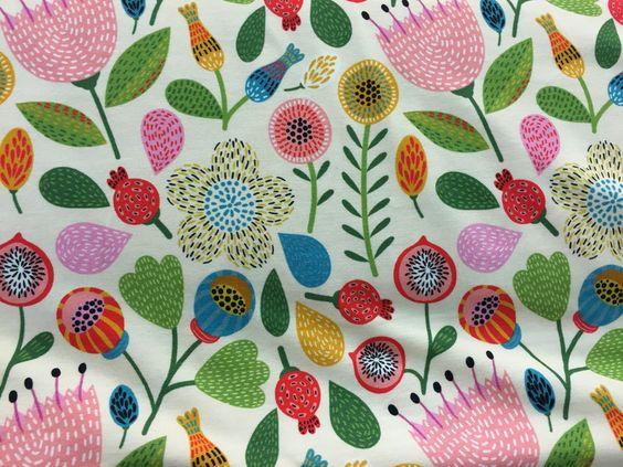 Stoff Blumen - Jersey Blumen - ein Designerstück von gluecksstoffe bei DaWanda