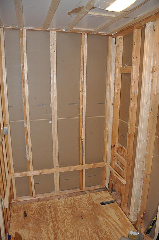 Strengthening the framing around the tub surround 1 PC's Bathroom ...