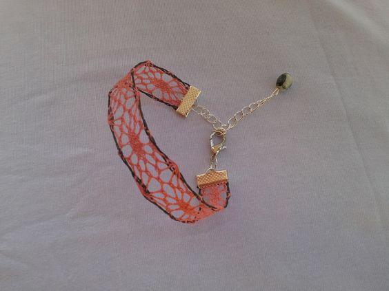 Bracelet en soie en dentelle aux fuseaux : Bracelet par histoire-de-dentelle