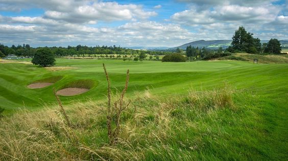 The first hole at the Kings Course at @gleneagleshotel https://t.co/5IJJyyZan8 #golftravel #scotland https://t.co/21HQrpteZg