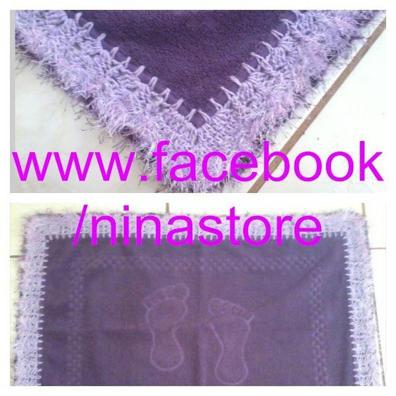 Piso de banheiro com barrado de crochê